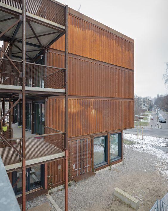 Идеи проекта домов из морских контейнеров (39)